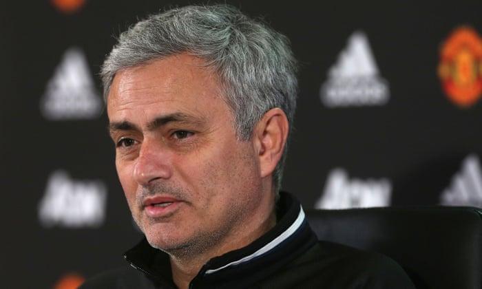 José Mourinho együttérzést ad David Moyesnek a Manchester United zsákmányolásával szemben